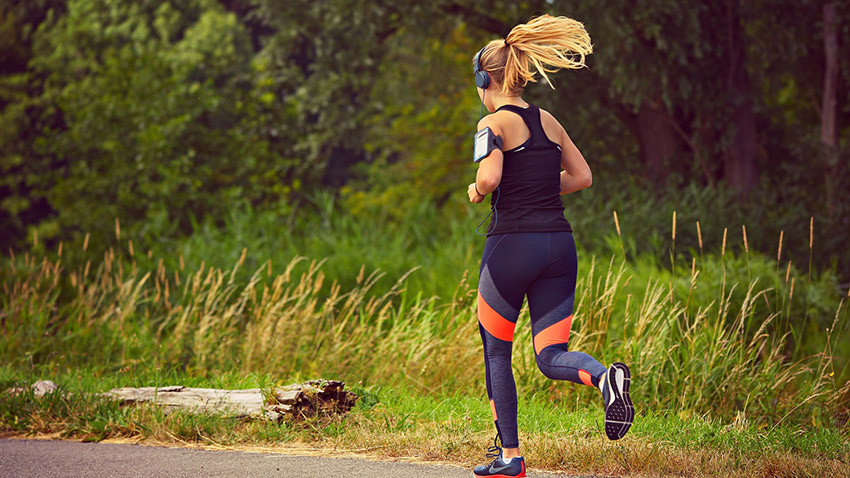 Should you run with music or not?