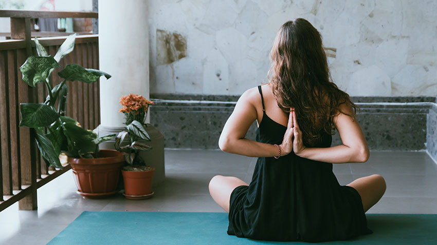 Everything you need to know about pregnancy yoga